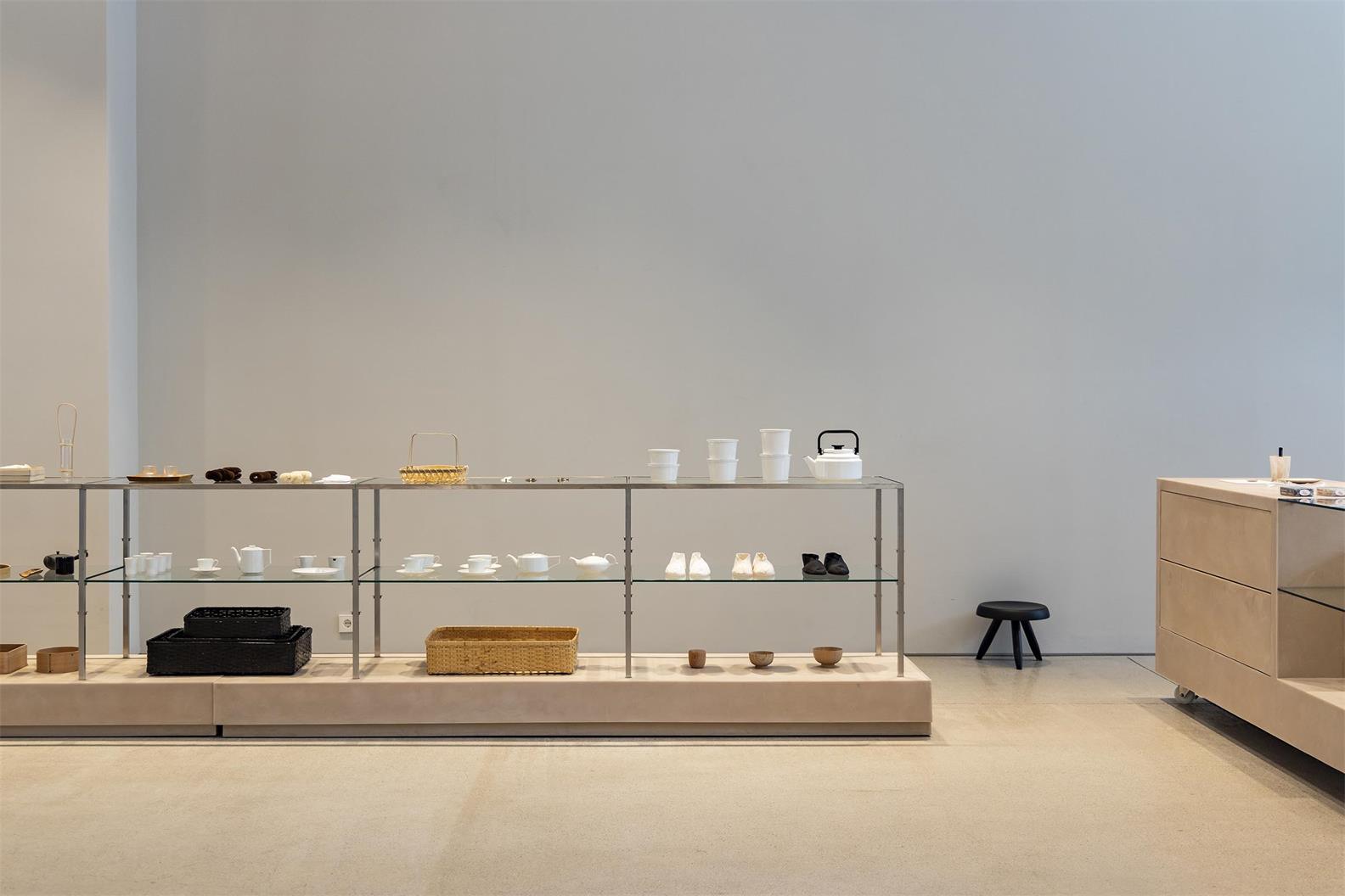 服装店设计,服装工作室设计,精品店设计,店面设计,零售空间设计,旗舰店设计,商业空间设计,极简服装店设计