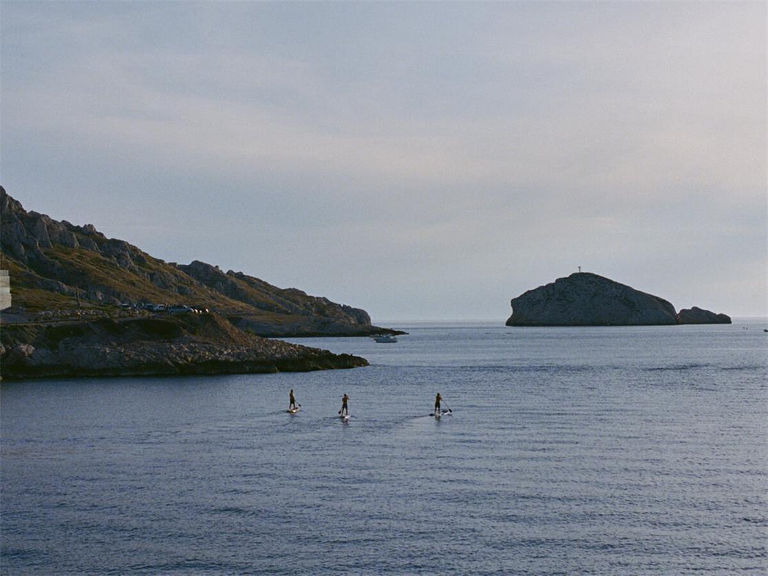 度假酒店海边活动