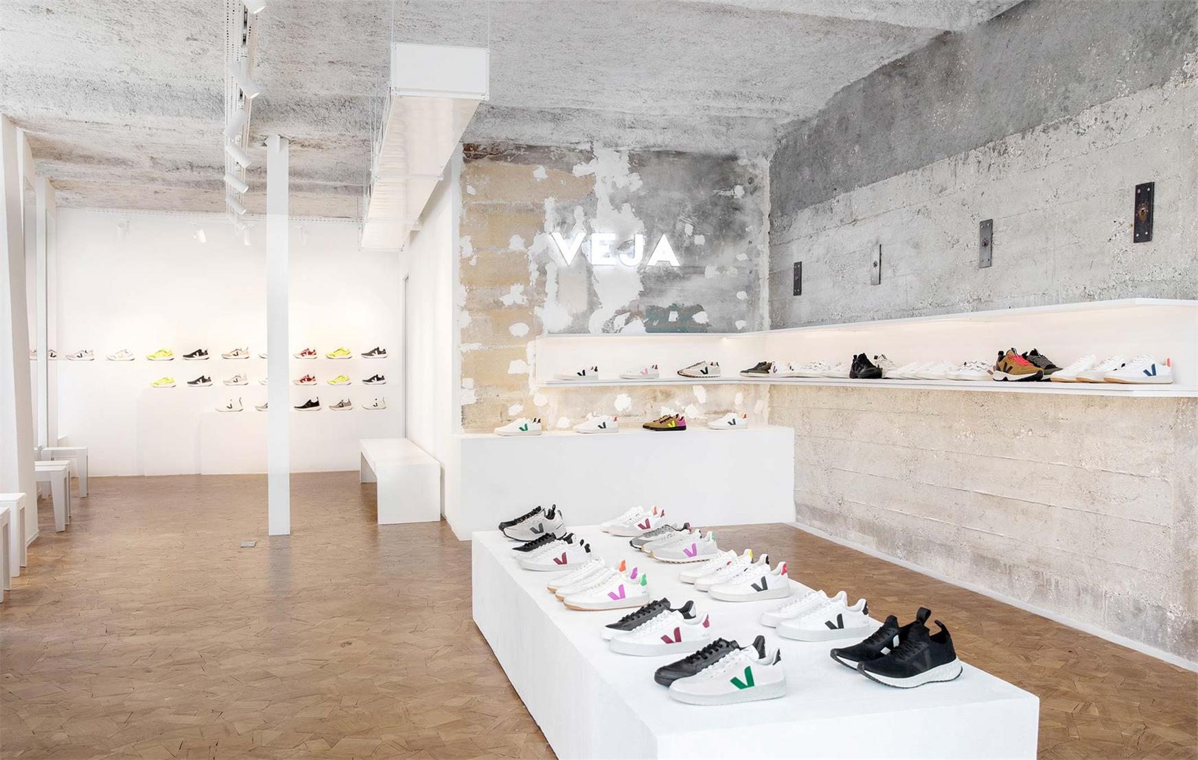 鞋店设计,运动品牌鞋店设计,专卖店设计,极简鞋店设计,商业空间设计,旗舰店设计,精品店设计,买手店设计,鞋店设计图片,鞋店设计方案