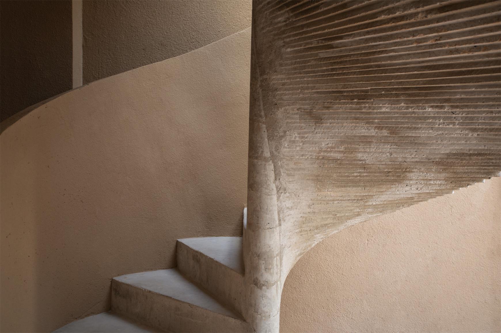 瑜伽馆旋转楼梯细节