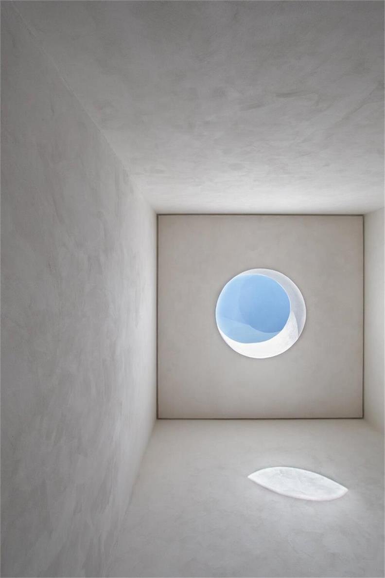 鞋店圆形天窗设计