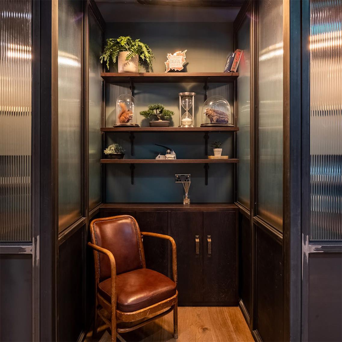 办公室设计,办公空间设计,高档办公室设计,复古办公室设计,办公室设计图片,办公室设计方案,办公场所设计