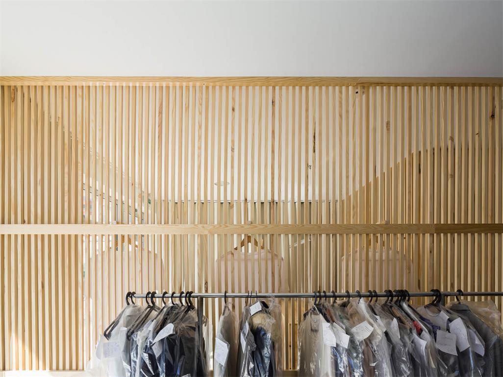 洗衣店挂衣区设计
