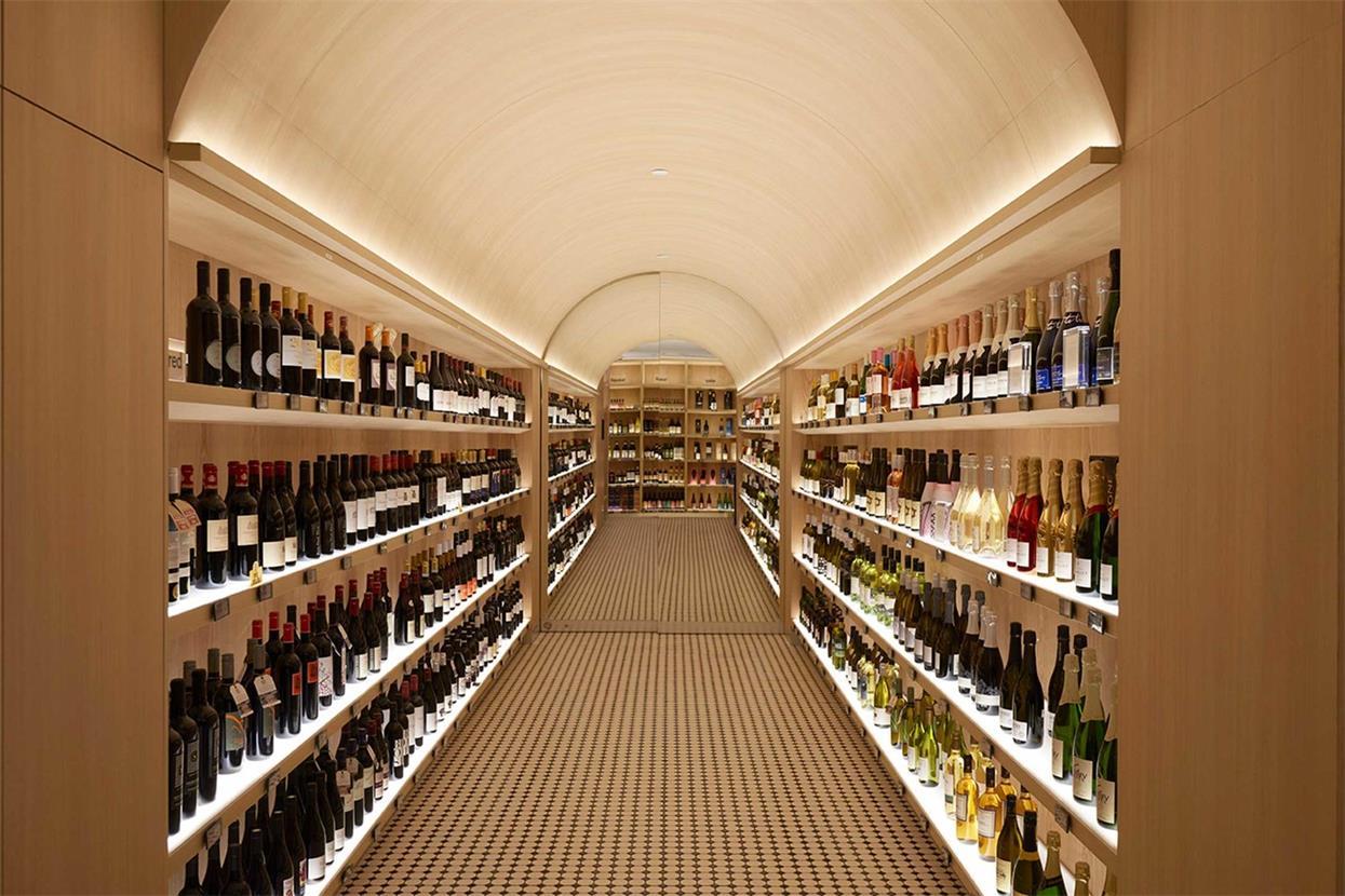 酒吧过道拱形天花设计