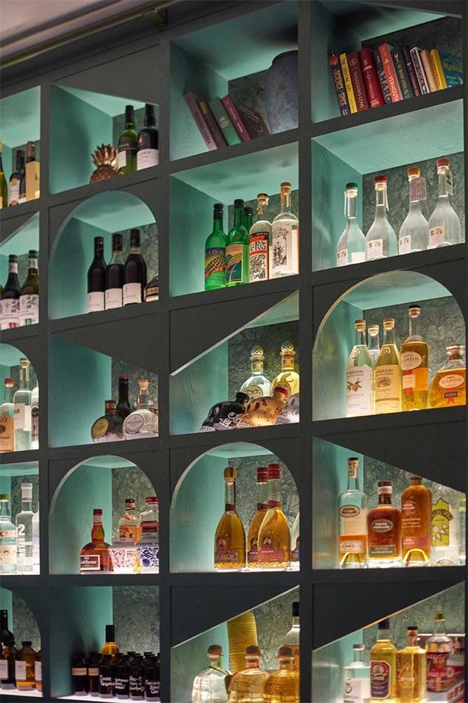 酒吧吧台酒柜背景设计