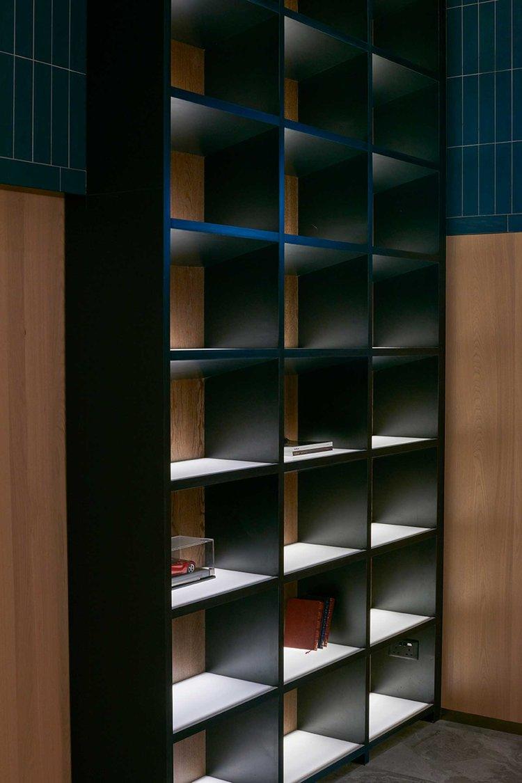 酒吧私人休息室造型柜设计