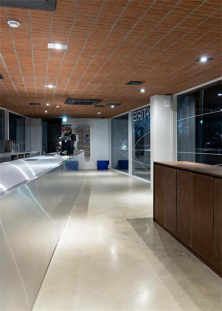 咖啡厅一层操作台设计