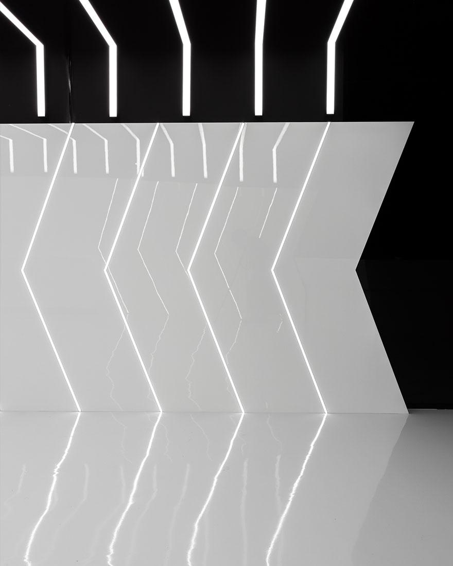 网吧墙面线条灯设计