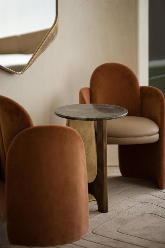 休息室沙发靠垫细节