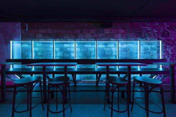 酒吧吧台区域背景设计