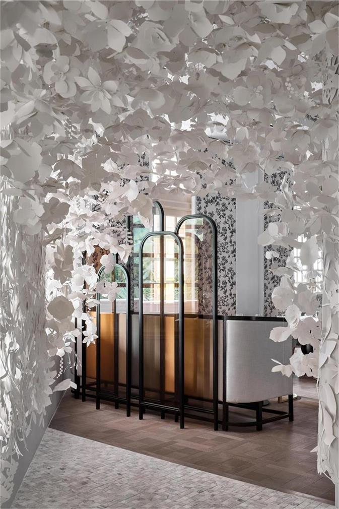 中餐厅百合叶造型设计