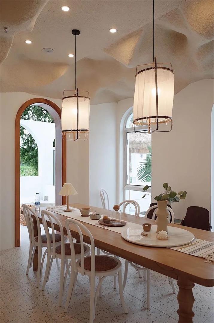 民宿公共餐厅餐桌餐椅搭配设计