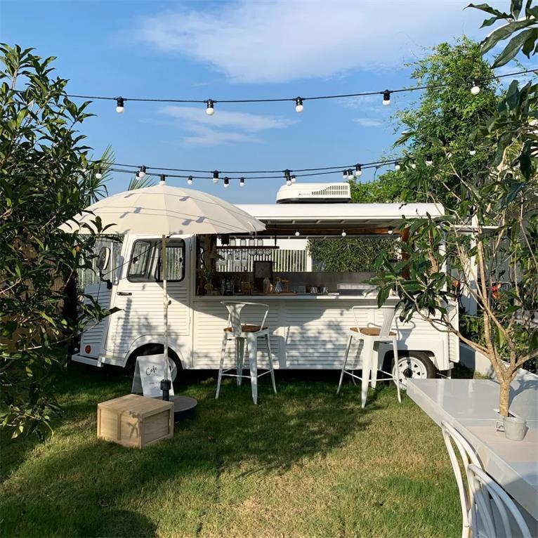 民宿户外休闲区咖啡巴士设计