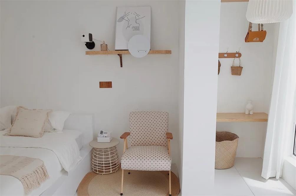 民宿内部卧室阳台区域设计