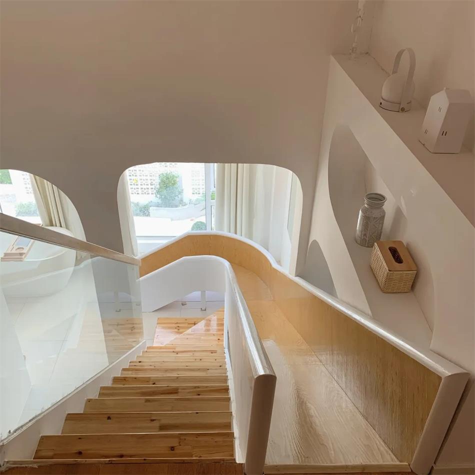 民宿loft双层住房楼梯设计