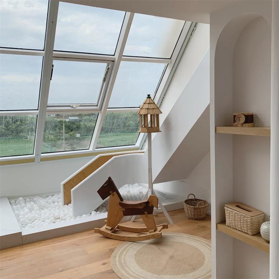 民宿阁楼天窗设计