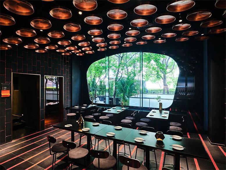 餐厅一层居酒屋设计侧面