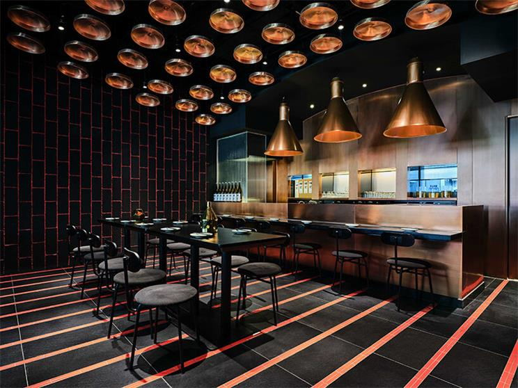 餐厅一层局酒吧吧台左侧区域