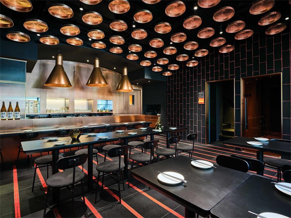 餐厅一层局酒吧吧台右侧区域