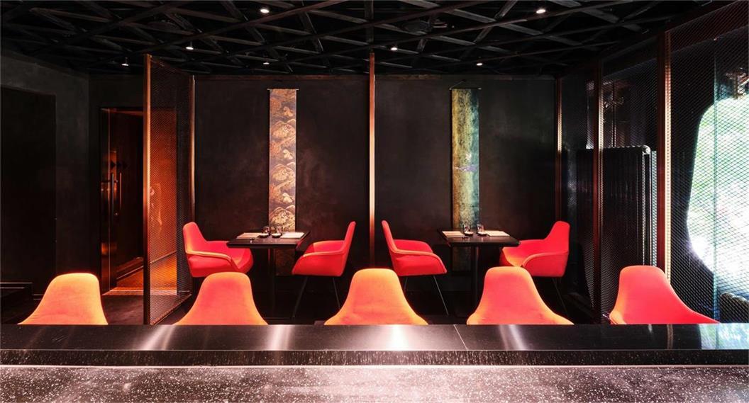 餐厅二层寿司店设计用餐区