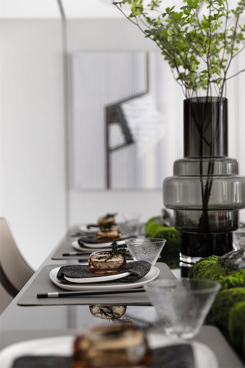 样板房餐桌餐具设计