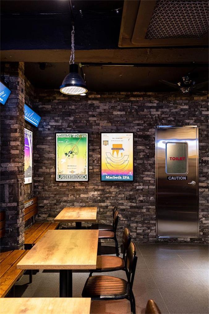 啤酒吧复古卡座设计