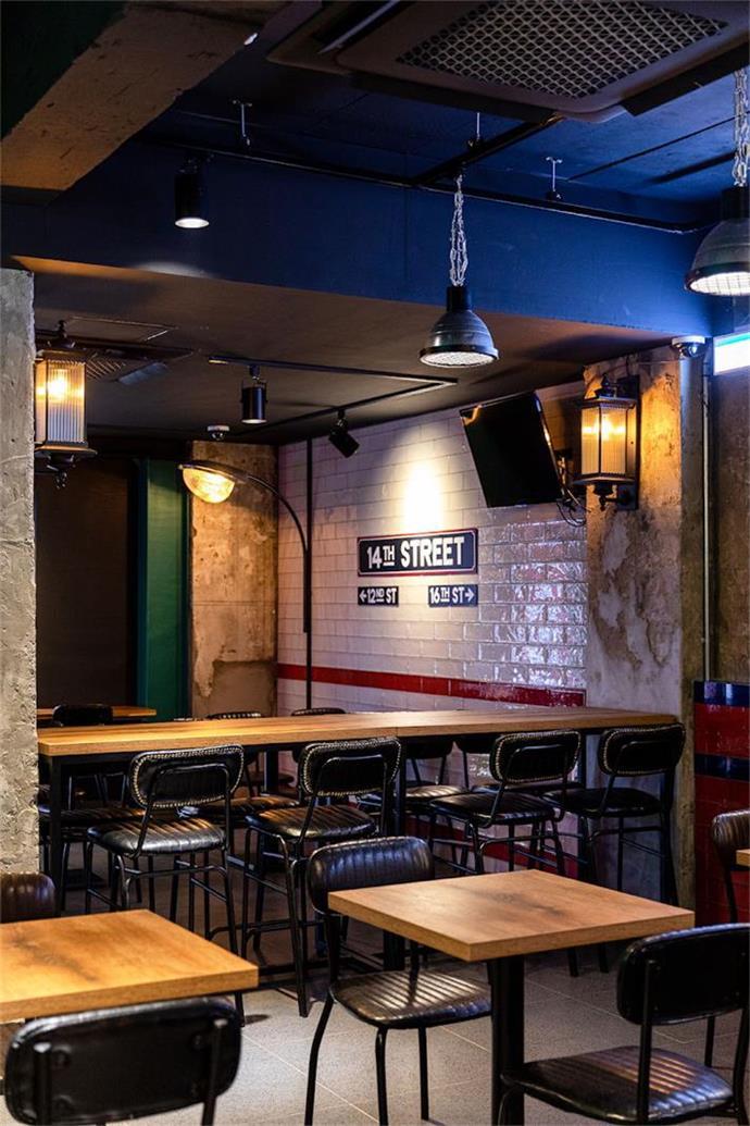 啤酒吧吧台区域设计