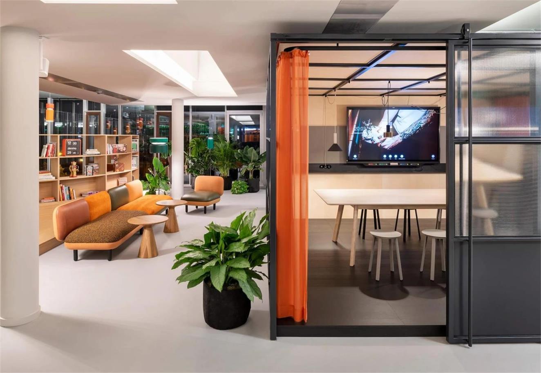 办公室玻璃隔断和拉帘设计