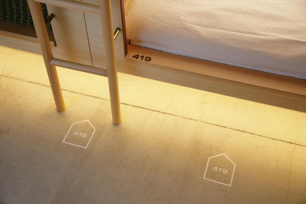 胶囊旅馆地面导视设计