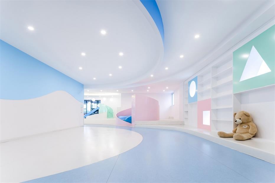 健身中心亲子游乐区墙面造型设计
