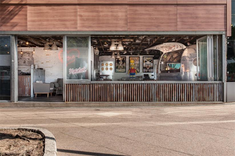 快餐厅兼酒吧设计