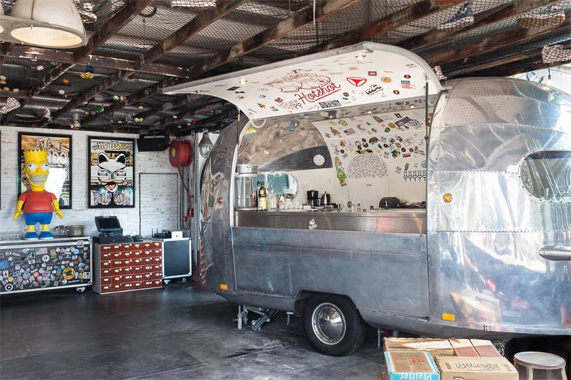 快餐厅兼酒吧外卖餐车设计