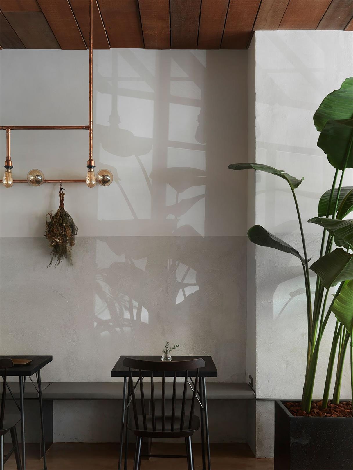 烘焙店沿墙卡座设计