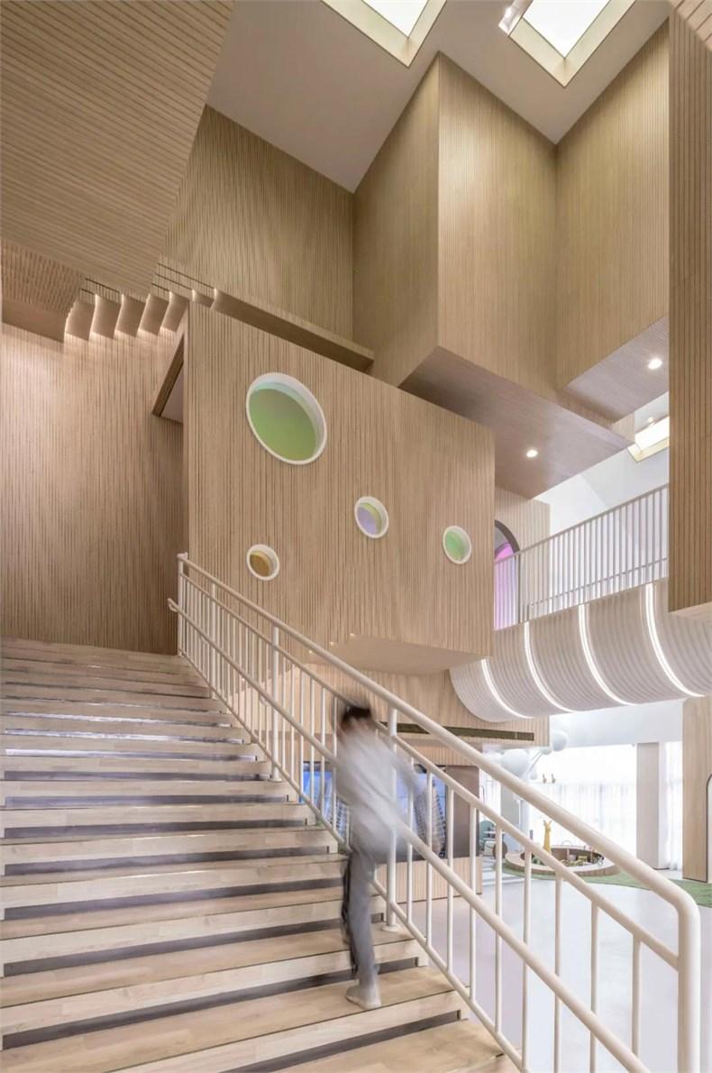 幼儿园楼梯设计