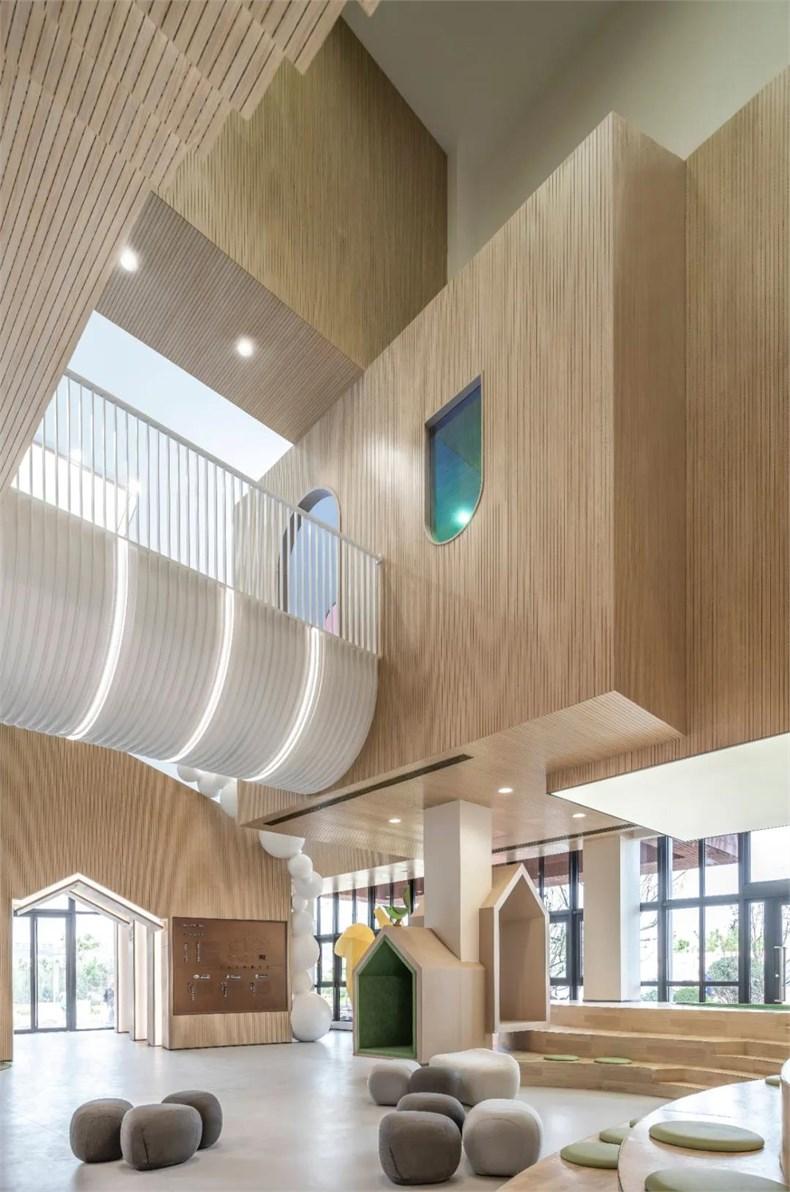 幼儿园大厅定制沙发设计