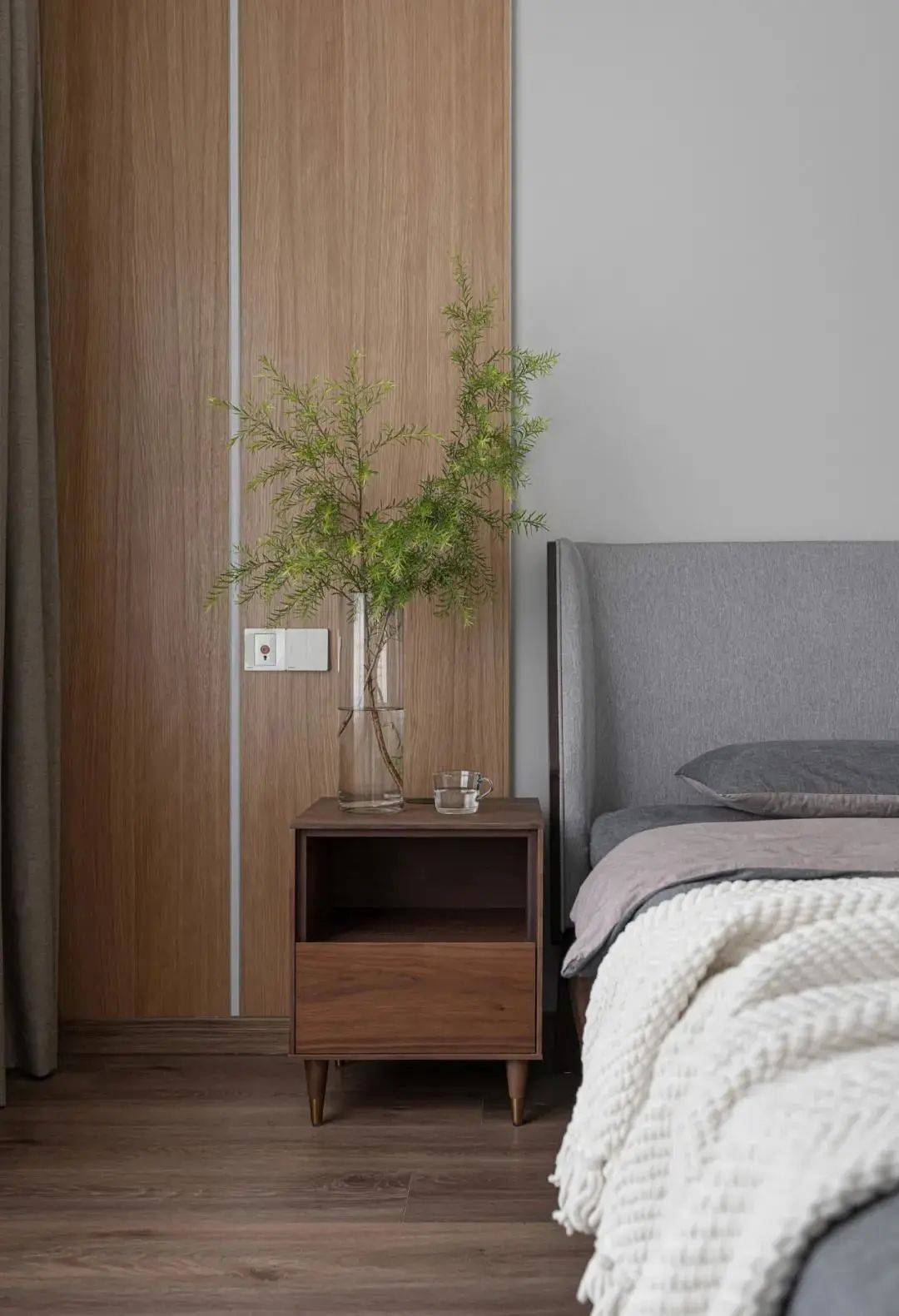 MUJI风家装床头柜设计