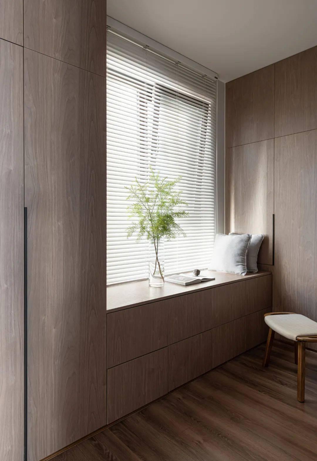 MUJI风家装一体柜兼飘窗设计