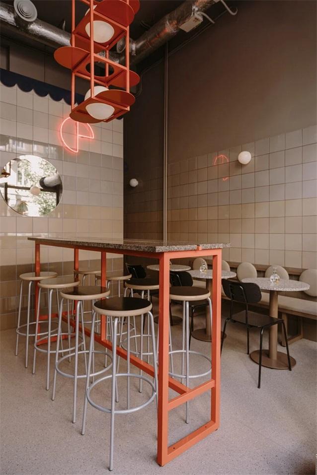 披萨快餐店中央吧台设计