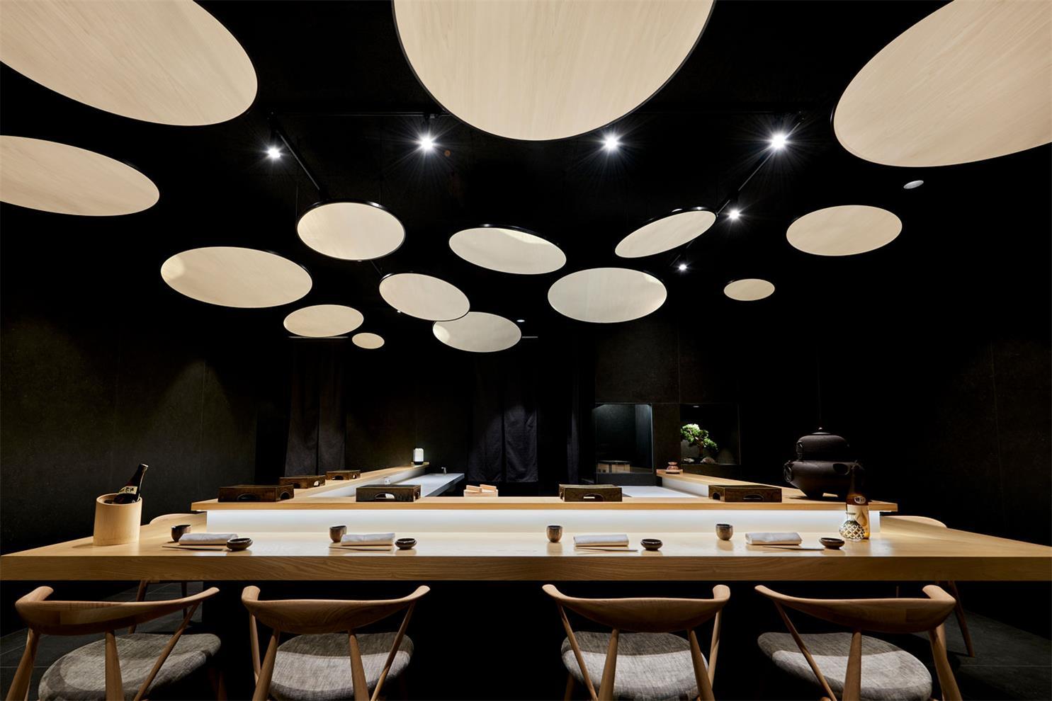 寿司店中央吧台设计
