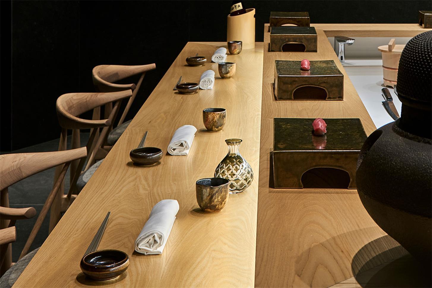 寿司店中央吧台设计细节