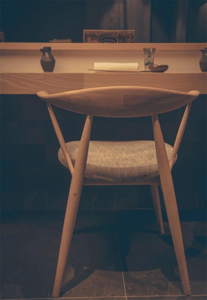 寿司店椅子设计