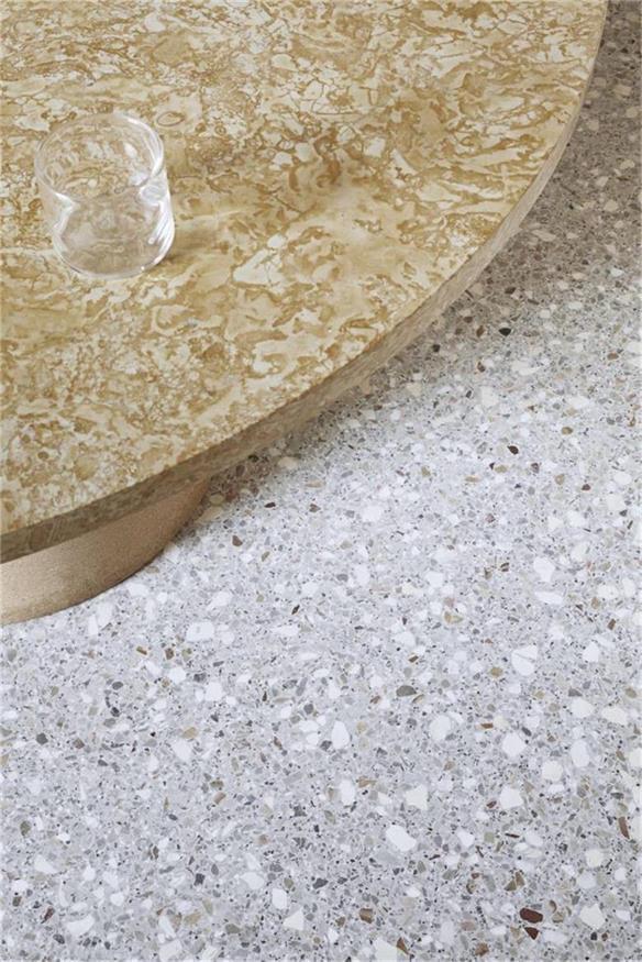 烘焙店大理石桌面和地面材质设计对比