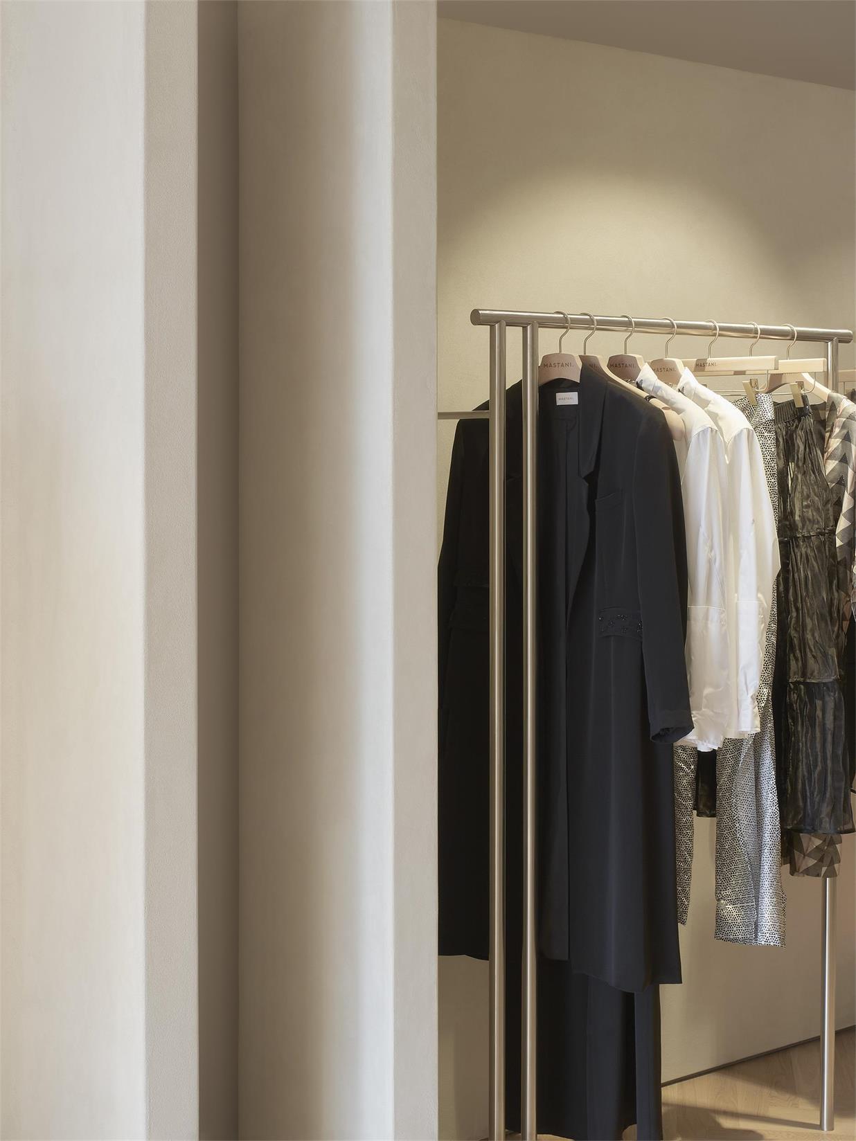 服装店不锈钢衣架设计