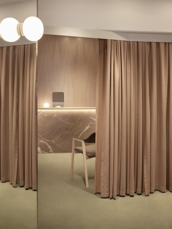 服装店拉帘设计