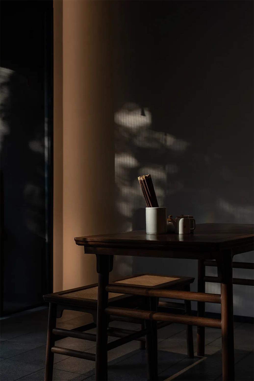面馆传统中式桌子设计