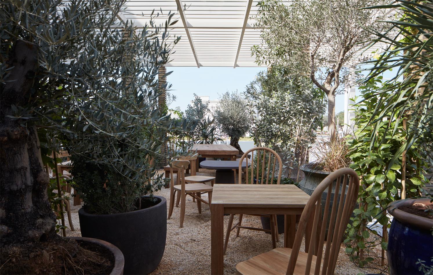 咖啡馆户外用餐区设计