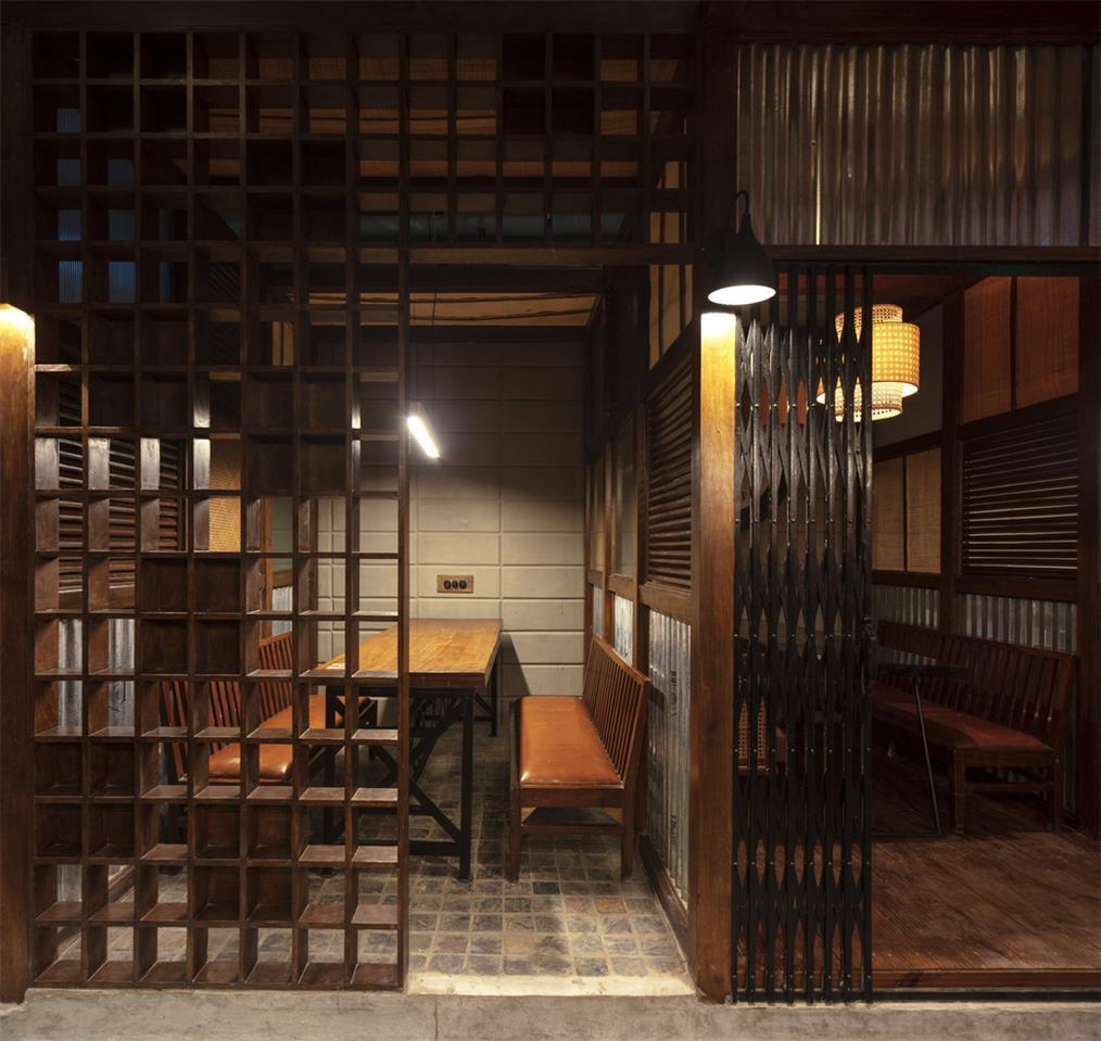 餐厅半私密性的包厢设计
