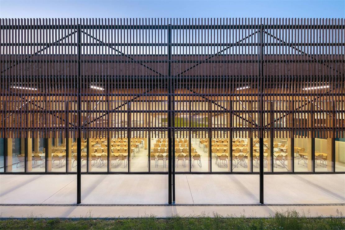 学校食堂建筑外立面格栅造型设计