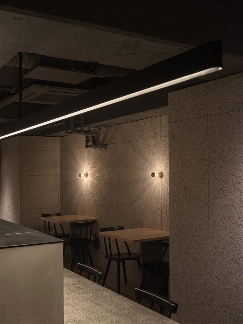 野兽派餐厅长条吊灯设计