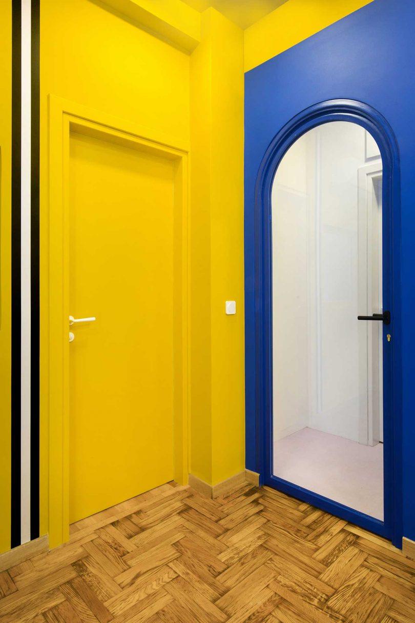 诊所不同的色彩墙面设计
